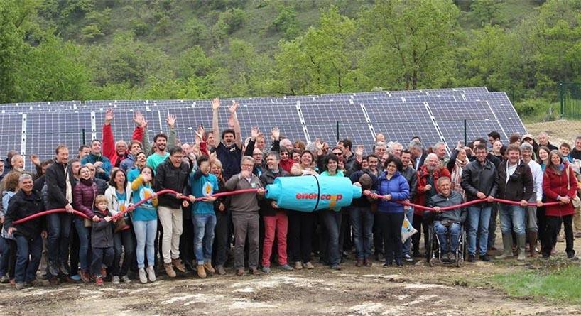"""Inauguration ce printemps en France d'un parc solaire """"citoyen"""" créé sous l'impulsion de la coopérative d'énergie Enercoop."""